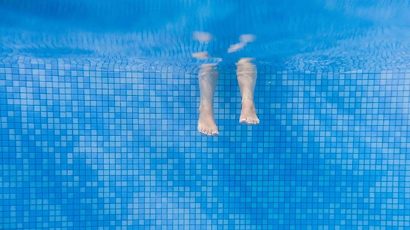 Por tres razones - Swimmy, alquiler de piscinas para sobrevivir al verano - Escuchar ahora