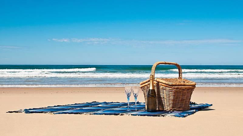 Por tres razones - Un picnic de estrella Michelin a la orilla del mar - 26/06/20 - escuchar ahora