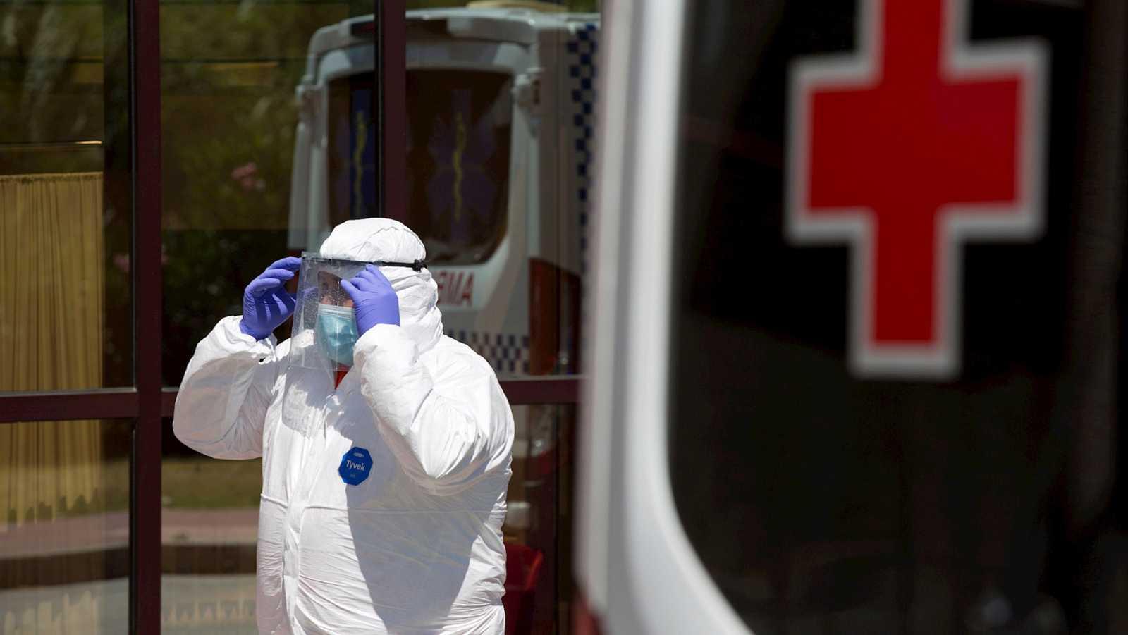 14 horas Fin de Semana - Nuevo brote de coronavirus en Málaga: 6 personas relacionadas con misma familia han dado positivo - Escuchar ahora