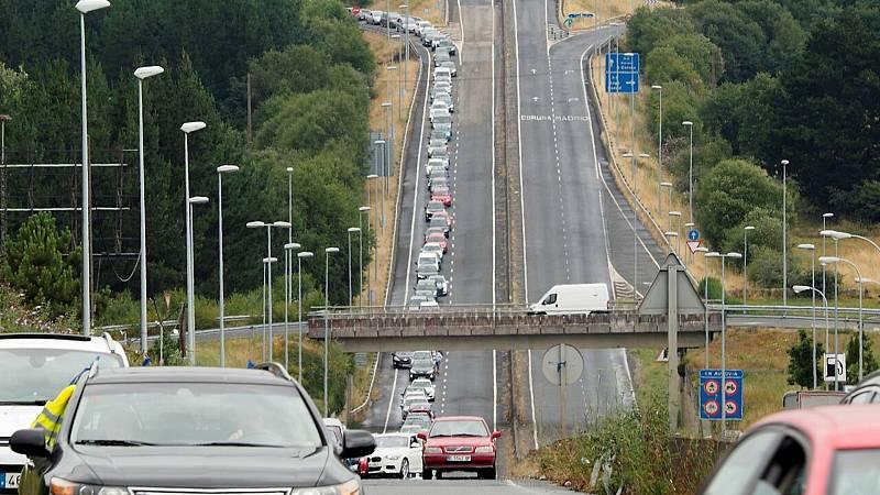 24 horas fin de semana - 20 horas - Una larga caravana de coches reclama soluciones para evitar el cierre de Alcoa - Escuchar ahora