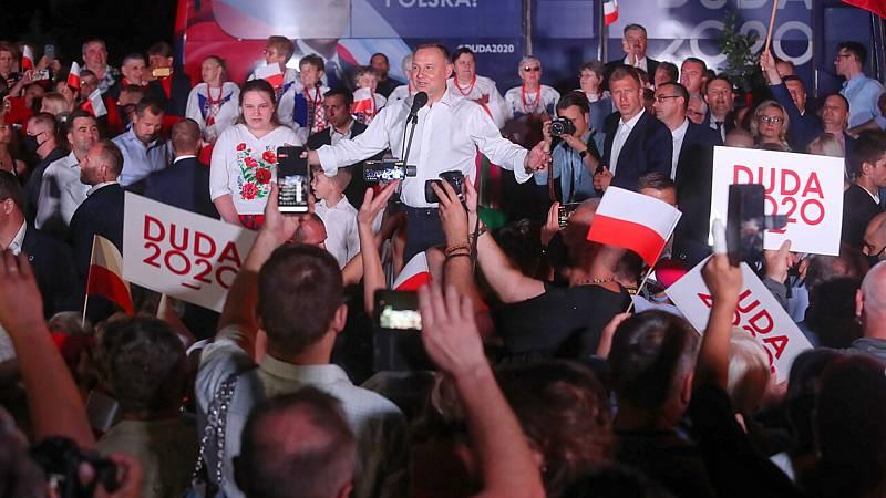 24 horas fin de semana - El alcalde de Varsovia amenaza el monopolio del ultraconservador Duda en Polonia - Escuchar ahora