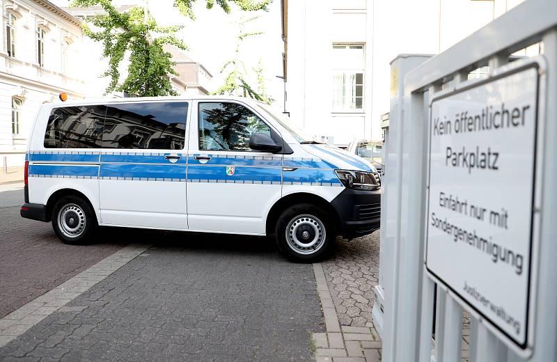14 horas - Alemania investiga una red internacional de pederastia con más de 30.000 sospechosos - Escuchar ahora