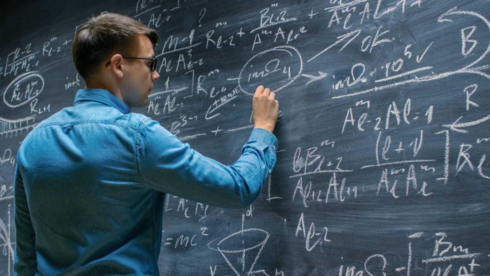 Raíz de 5 - Nuevo atentado contra las matemáticas - 29/06/20  - escuchar ahora