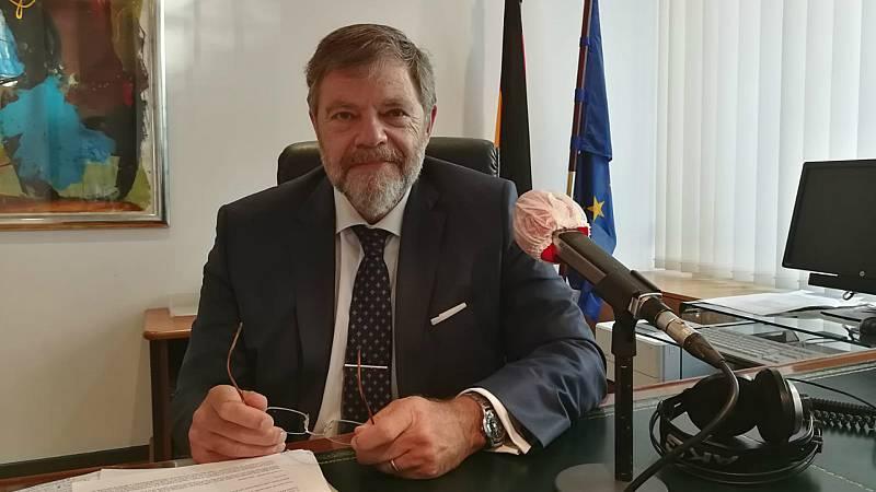 """Las mañanas de RNE con Íñigo Alfonso - Alemania asume la presidencia de la UE con los retos """"urgentes"""" de pactar unos presupuestos europeos y fondo de recuperación - Escuchar ahora"""