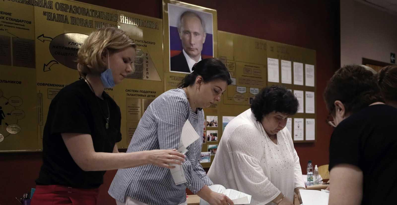 Las mañanas de RNE con Íñigo Alfonso - Rusia valida en las urnas que Putin pueda perpetuarse en el poder - Escuchar ahora