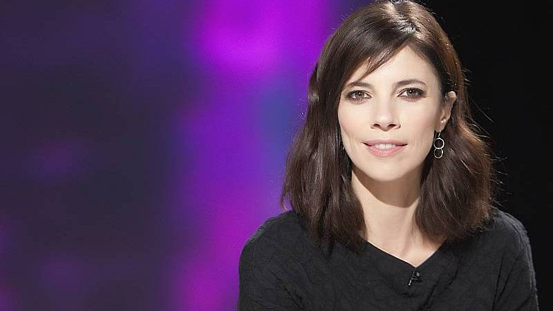 24 horas fin de semana - 20 horas - Maribel Verdú - Ana Tramel en un thriller judicial con la participación de RTVE - Escuchar ahora
