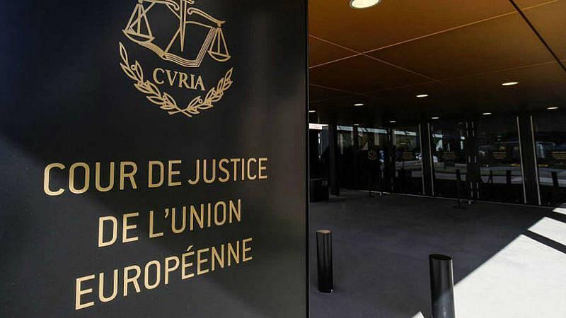 Boletines  RNE - La justicia europea señala que los acuerdos sobre cláusulas suelo pueden renegociarse si el banco no informó bien - Escuchar ahora