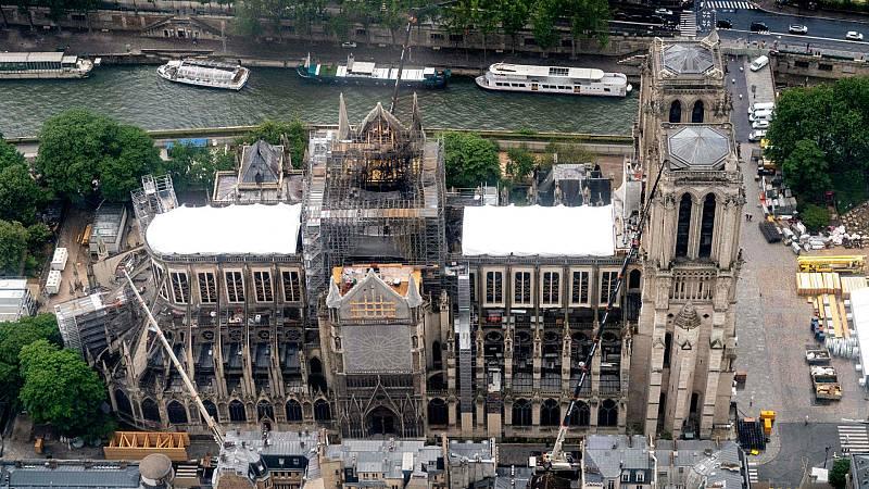 14 horas - Notre Dame recuperará su característica aguja - Escuchar ahora