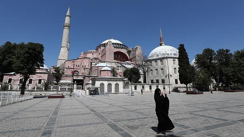 Cinco Continentes - La Basílica de Santa Sofía se reconvierte en mezquita - Escuchar ahora