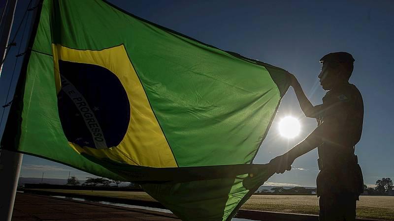 España a las 8 Fin de Semana - Brasil suma más de 1.200 fallecidos en las últimas horas - Escuchar ahora