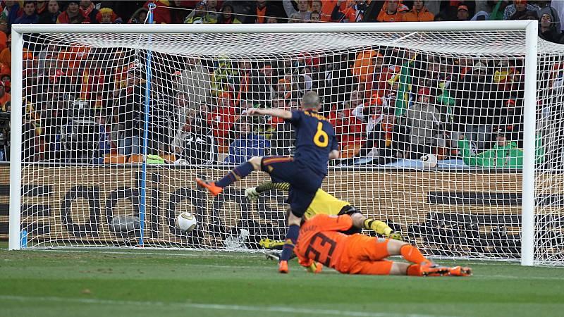 14 horas Fin de Semana - 10 años de la victoria en el mundial de fútbol: en Fuentealbilla aún recuerdan el gol de Iniesta - Escuchar ahora