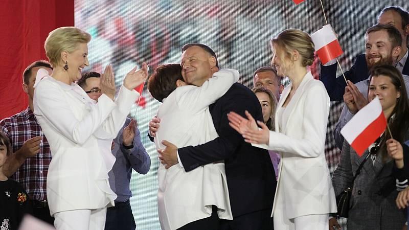 24 horas fin de semana - 20 horas - El ultraconservador Andrzej Duda gana las elecciones en Polonia por la mínima - Escuchar ahora