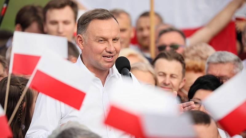 Cinco Continentes - El conservador Duda, reelegido presidente de Polonia - Escuchar ahora