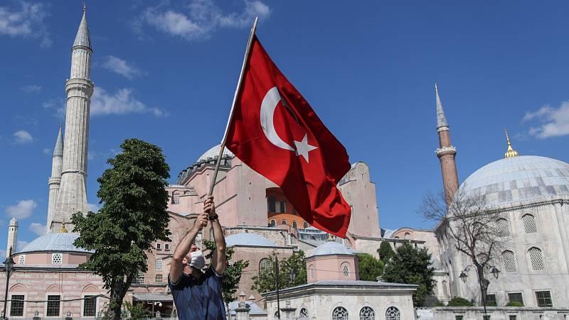 Europa abierta - La 'mezquita' Santa Sofía, un golpe de efecto de Erdogan - escuchar ahora
