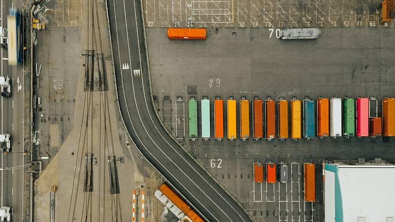 España a las 8 Fin de Semana - Las exportaciones e importaciones caen casi un 20% en comparación con el año pasado - Escuchar ahora