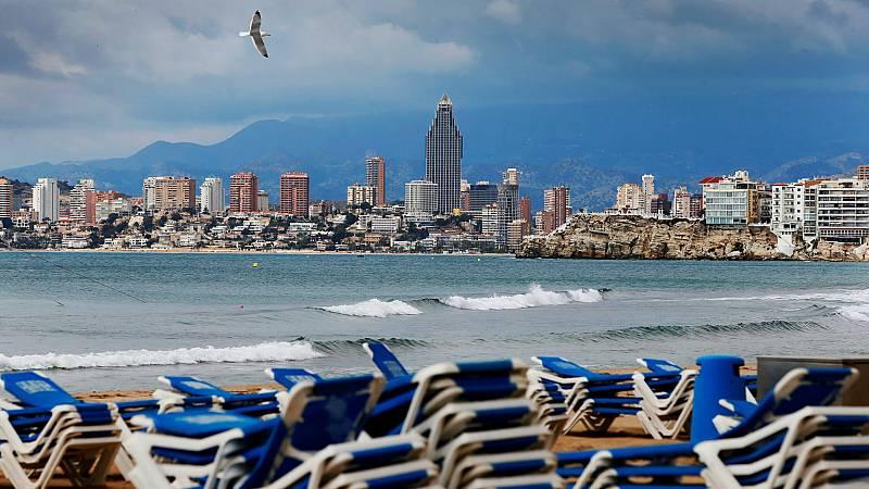 Las mañanas de RNE - Los rebrotes frenan las reservas turísticas