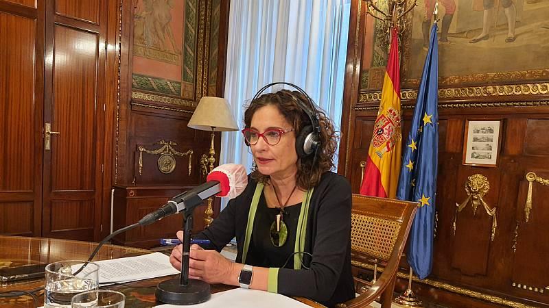 """Las mañanas de RNE - Montero contradice a Iglesias y llama a negociar unos presupuestos """"sin vetos cruzados"""" - Escuchar ahora"""