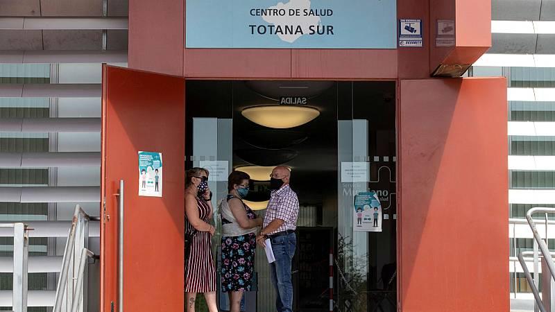 14 horas - Totana, Murcia, vuelve a la Fase 1 por 55 contagios en un pub - Escuchar ahora