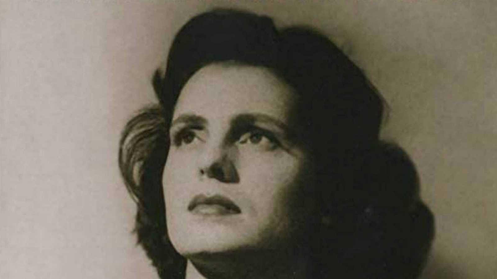 10.000 lugares para viajar con Ángela Gonzalo - Fado y Amália Rodrigues, patrimonios de la humanidad - 24/07/20 - escuchar ahora