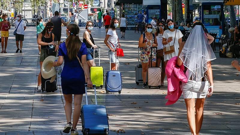 14 horas fin de semana - Descienden los contagios en Cataluña aunque aún superan los 880 casos positivos - Escuchar ahora