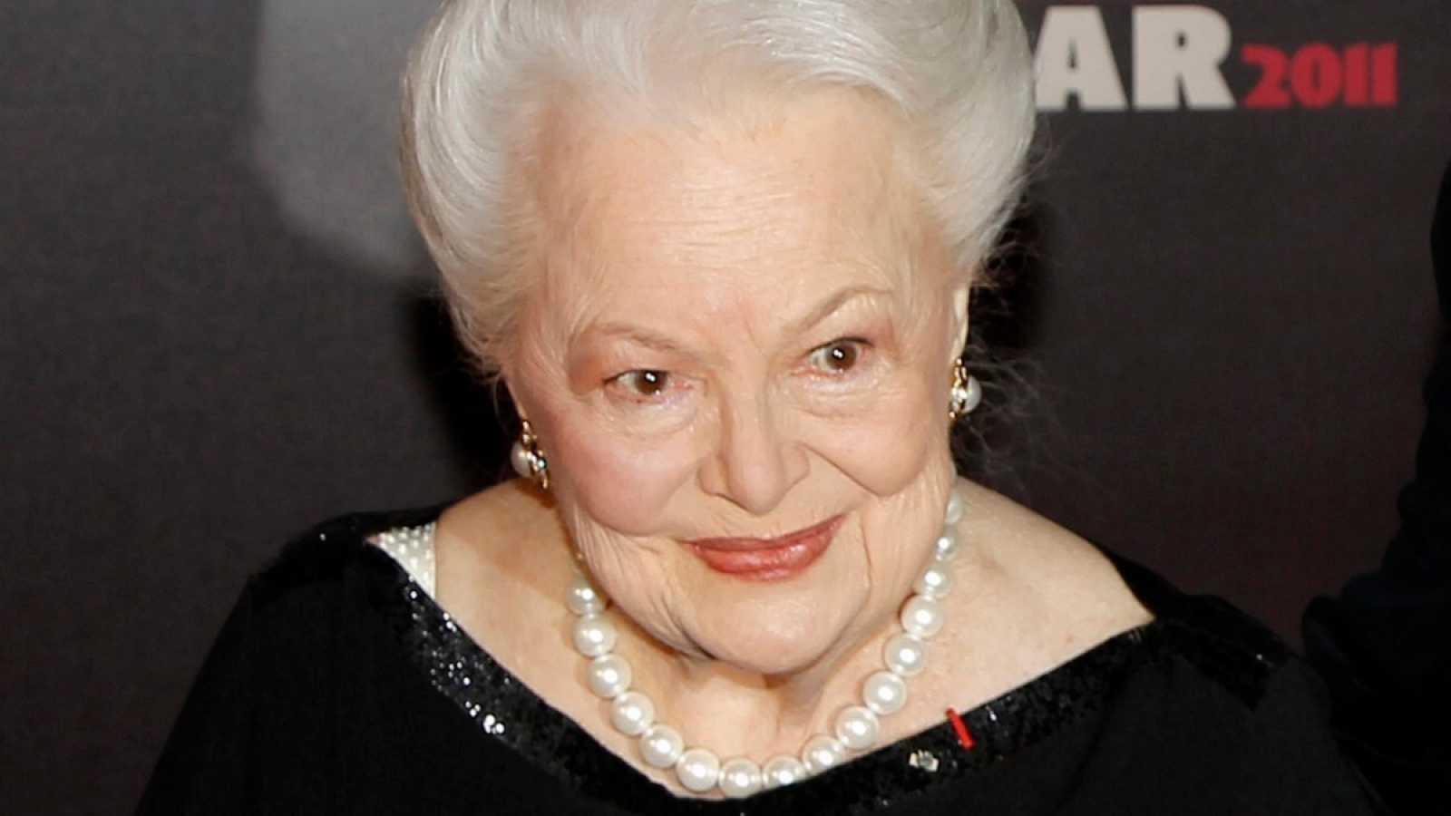 24 horas fin de semana - 20 horas - Fallece la última estrella del Hollywood dorado, Olivia de Havilland - Escuchar ahora