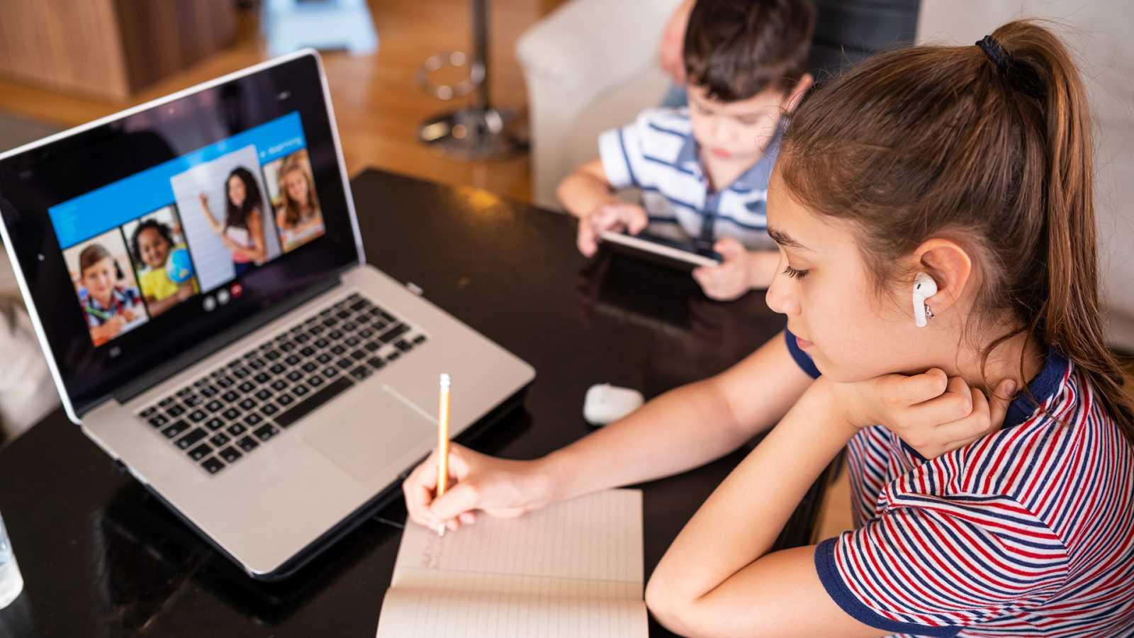 A golpe de bit - Educación 'online' para niños - 28/07/20 - escuchar ahora