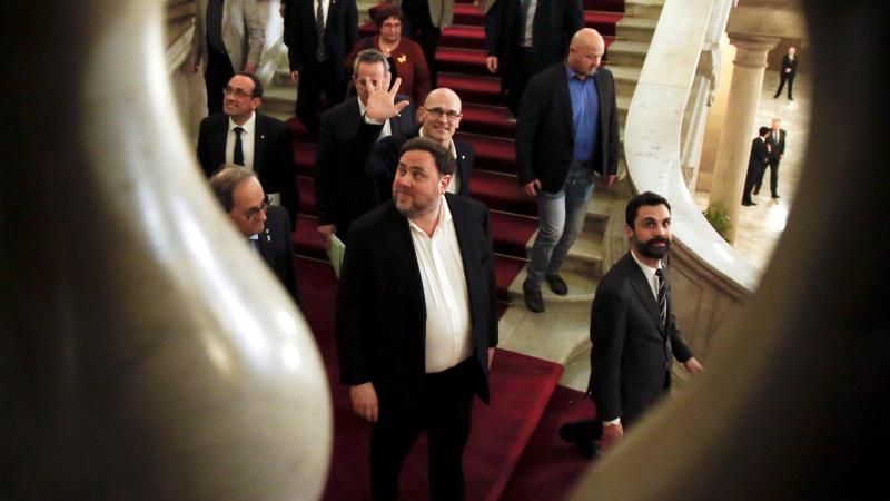 Boletines RNE -  La juez suspende el tercer grado para cinco condenados del procés - Escuchar ahora