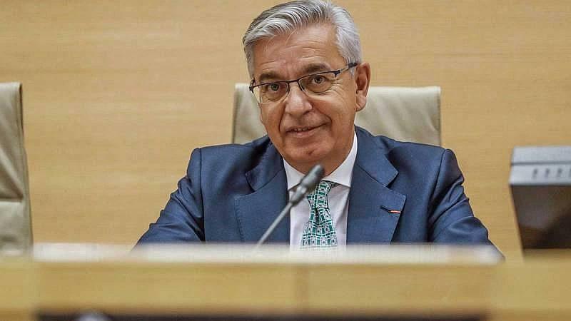 Boletines RNE - El exjefe de la UCO de la Guardia Civil, Manuel Corbí, estudia presentar un recurso contra su cese - Escuchar ahora