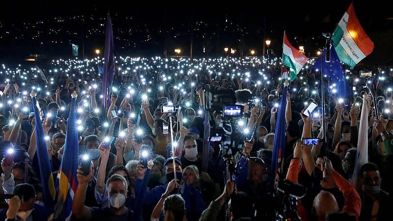 Europa abierta - Sin libertad de prensa en Hungría y Polonia, no hay verdadera democracia - escuchar ahora
