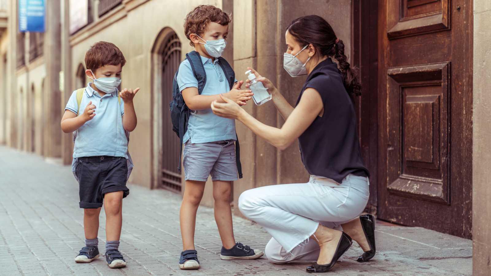 Mamás y papas - Niñofobia: un daño colateral del coronavirus - 01/08/20 - Escuchar ahora