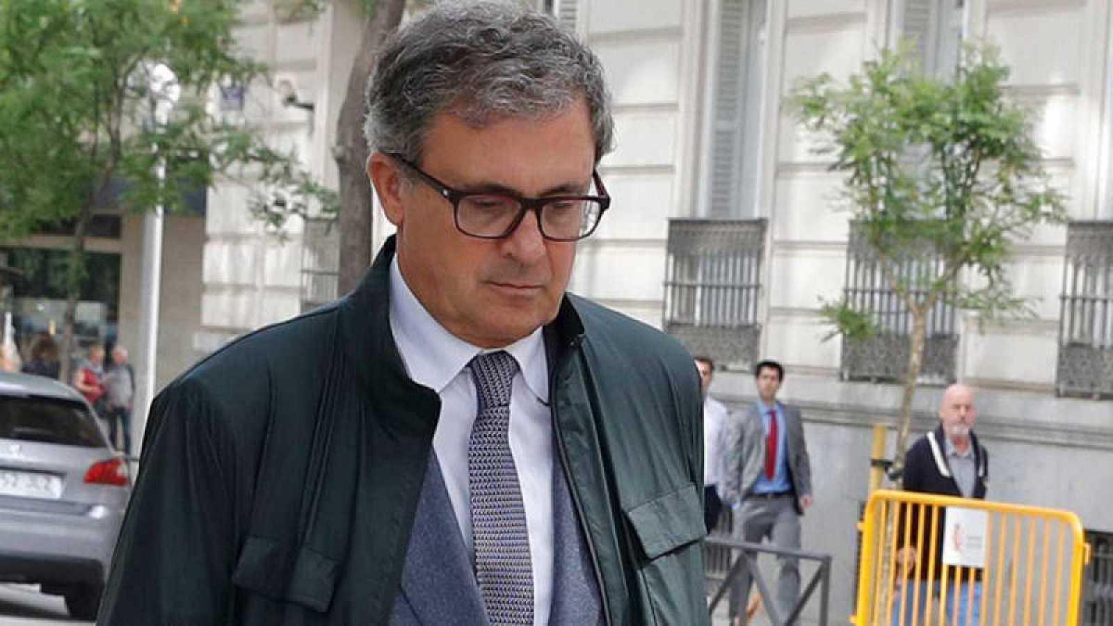 Boletines RNE - De La Mata propone juzgar a Convergència y al PDeCAT por el caso del 3% - Escuchar ahora