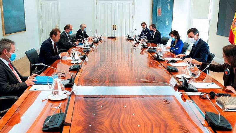 Boletines RNE - Gobierno y Airbus llegan a un acuerdo para garantizar el futuro de la compañía - Escuchar ahora