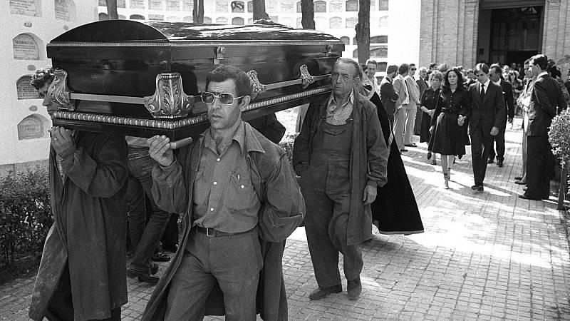 14 horas Fin de Semana - 40 años de uno de los crímenes más mediáticos: el asesinato de los marqueses de Urquijo - Escuchar ahora