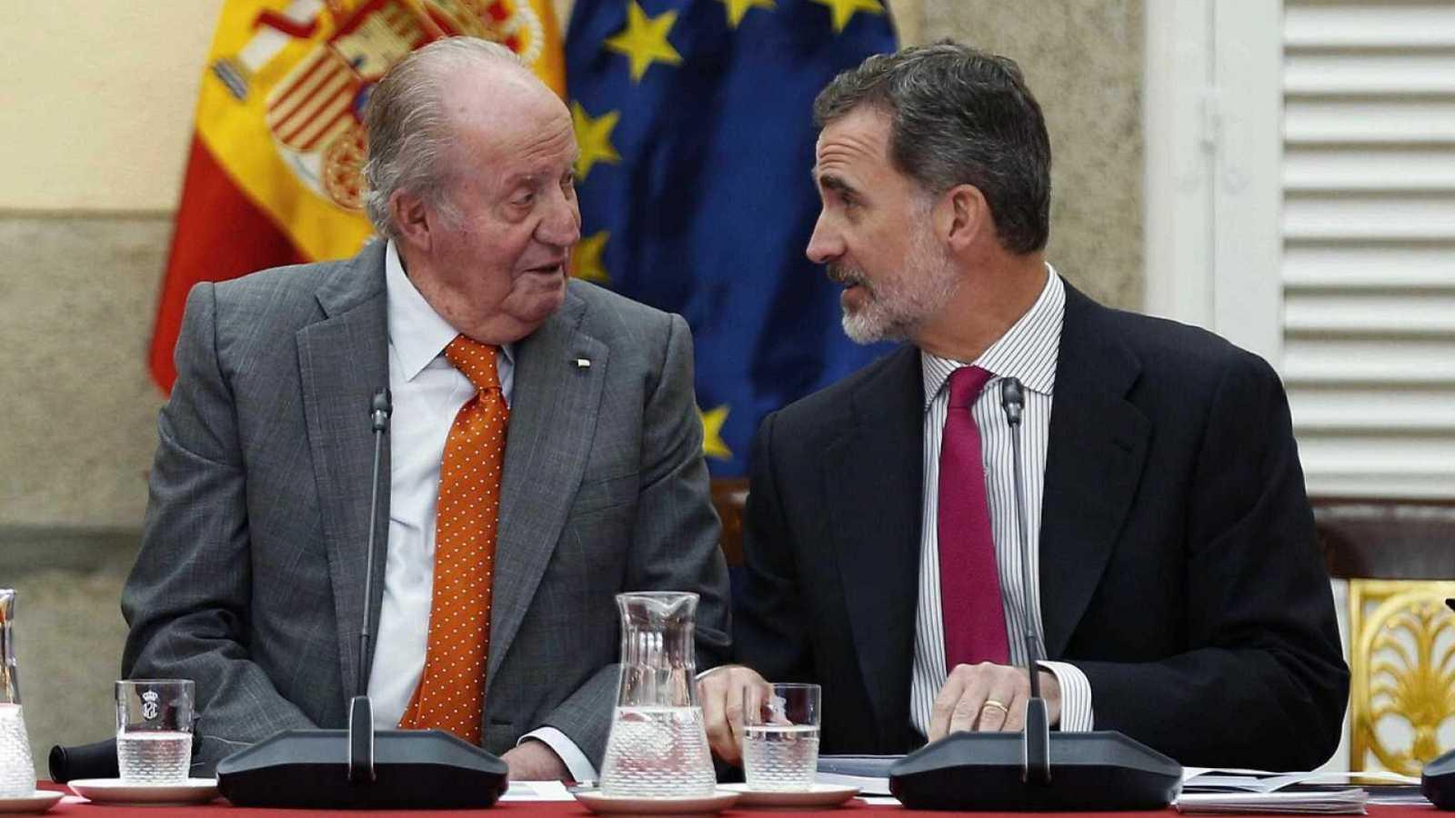 Boletines RNE - Reacciones políticas a la decisión de Juan Carlos I - Escuchar ahora