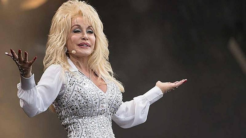 El gallo que no cesa - Escuela de divas: Dolly Parton - Escuchar ahora