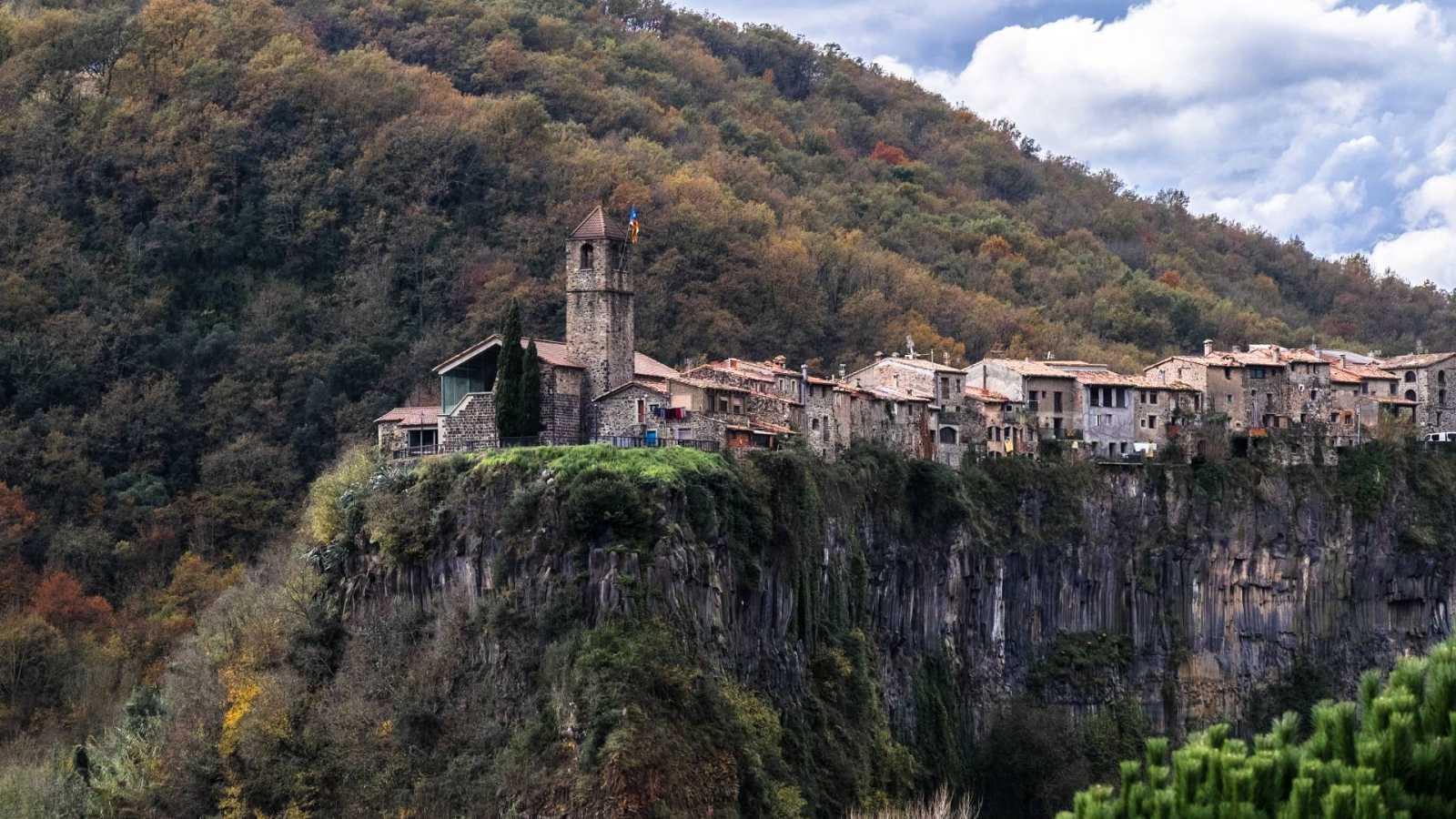 Solamente una vez - Marcelo Luján, Castellfulit de la Roca y su pueblo - 14/08/20 - escuchar ahora