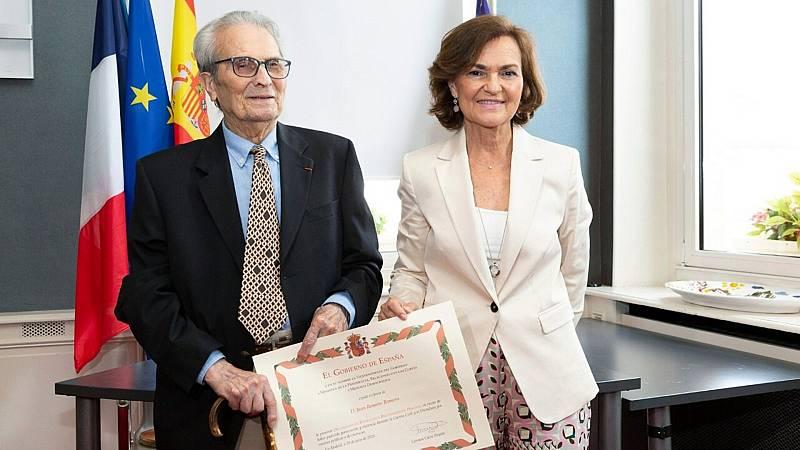 24 horas fin de semana - Carmen Calvo anuncia nueva ley que acompañará a la de Memoria histórica en el homenaje a Juan Romero - Escuchar ahora