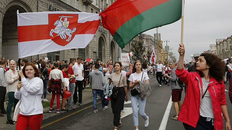 Boletines RNE - Continúa la represión en Bielorrusia tras las protestas contra Lukashenko - Escuchar ahora