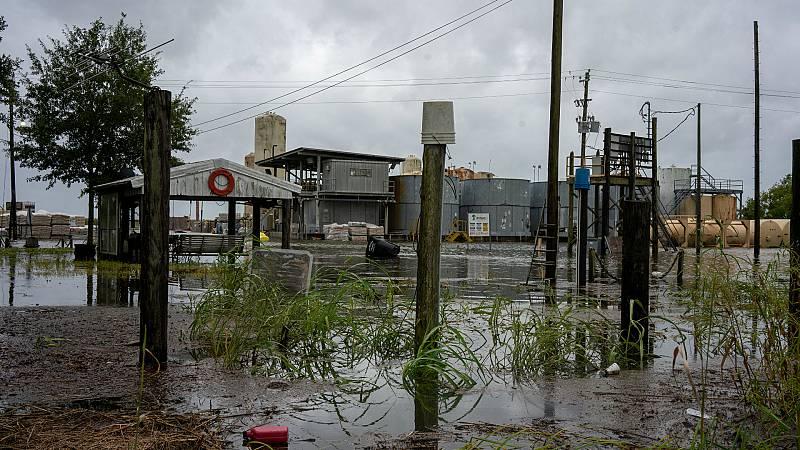 14 horas - El huracán 'Laura' toca tierra en el sur Estados Unidos - Escuchar ahora