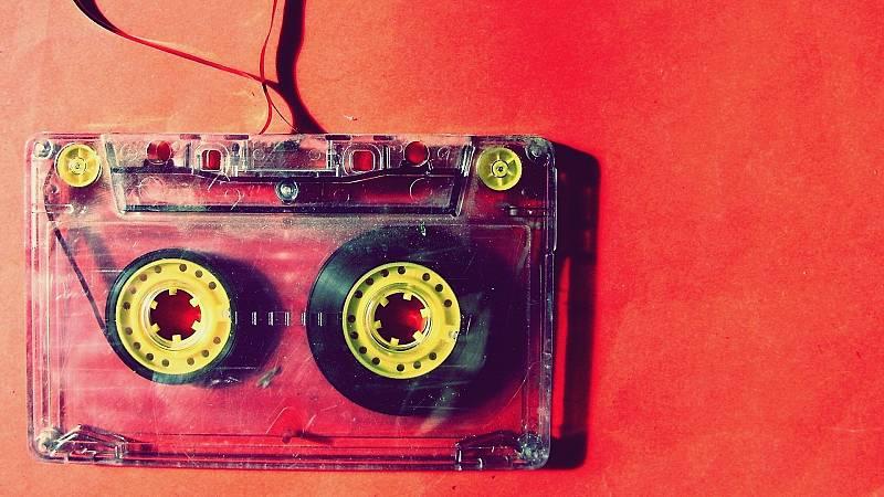 Hoy empieza todo con Marta Echeverría - Nick Hornby, Treinta y una canciones y Alta Fidelidad - 31/08/20 - escuchar ahora