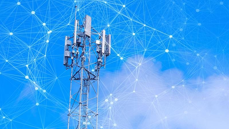 Boletines RNE - Telefónica despliega su red 5G en España - Escuchar ahora