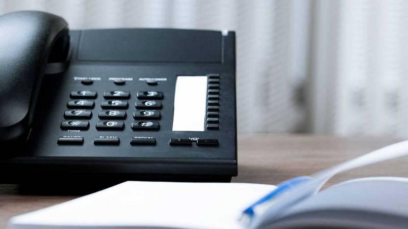 Las mañanas de RNE con Íñigo Alfonso - El Gobierno prohibirá los teléfonos 902 en los servicios de atención al cliente - Escuchar ahora