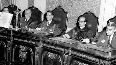 Documentos RNE - 1970, la abogacía contra el franquismo - 04/09/20 - ESCUCHAR AHORA