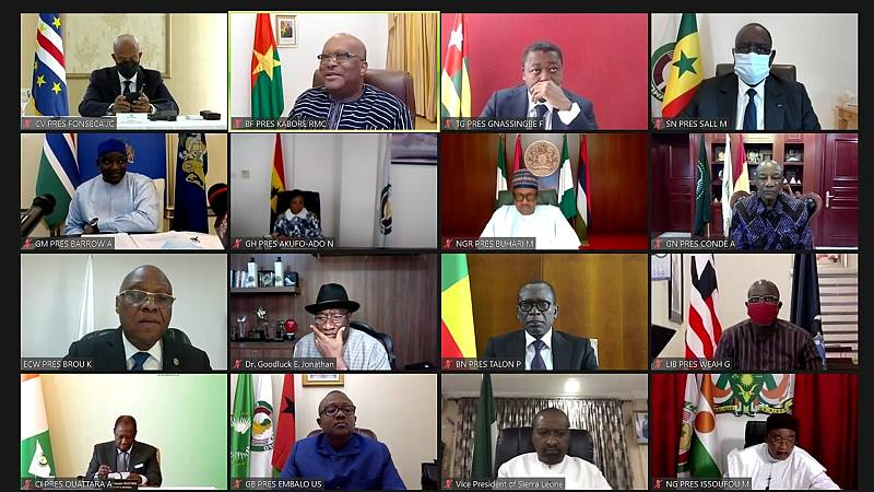 """Cinco continentes - Mali: la Junta Militar podría """"quedarse en el poder"""" - Escuchar ahora"""