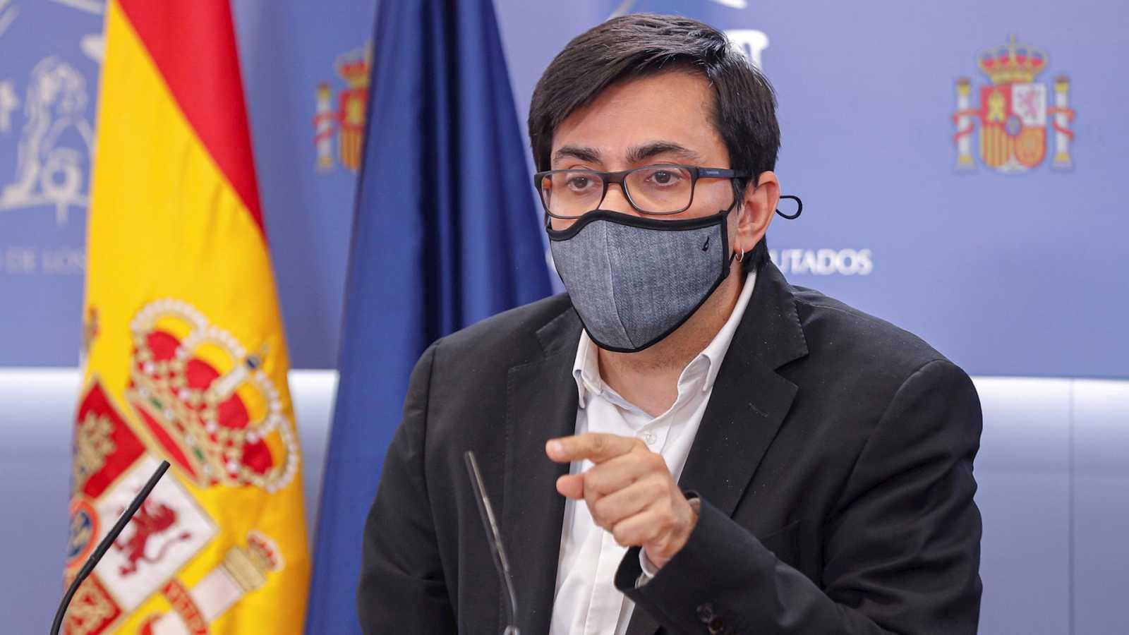 """Parlamento - Radio 5 - Gerardo Pisarello (En Comú):  """"El ministerio debería haberse dado cuenta de que la fórmula no era la correcta"""" - Escuchar ahora"""
