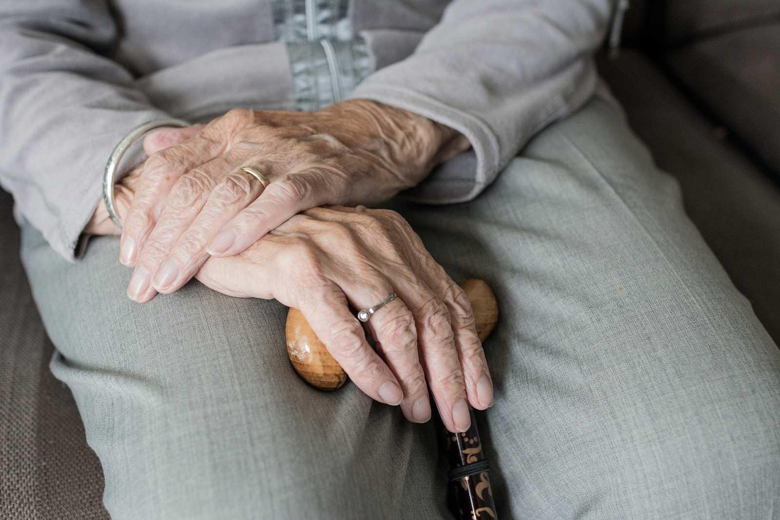 Cuaderno mayor - El confinamiento ha intensificado los síntomas de los enfermos de párkinson - 13/09/20 - Escuchar ahora