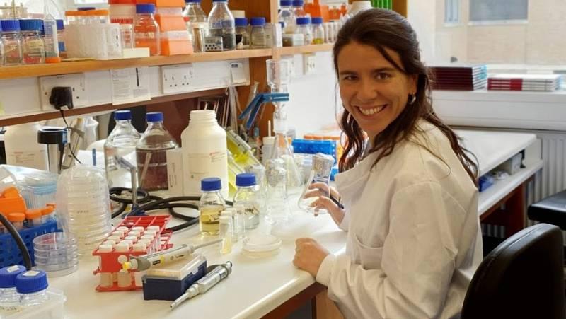 Punto de enlace - Carmen Sánchez estudia la relación entre bacterias, nitrógeno y plantas - escuchar ahora