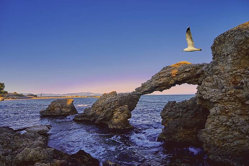 10.000 lugares para viajar con Ángela Gonzalo -  L'Escala, playas entre ruinas grecorromanas - 19/09/20 - Escuchar ahora