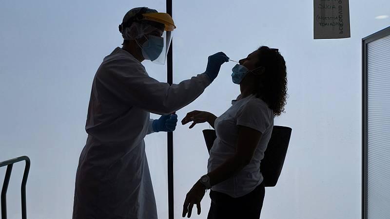 """Las Mañanas de RNE con Íñigo Alfonso -  Carmen Jiménez, anestesista en el Hospital Infanta Sofía: """"Estamos en un punto de no retorno. Nos vemos igual que en marzo¿ - Escuchar ahora"""