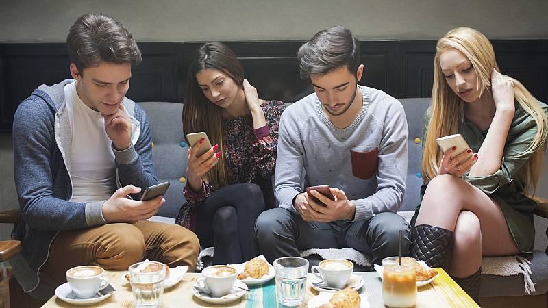 A golpe de bit - El efecto 'smartphone' - 18/09/20 - escuchar ahora